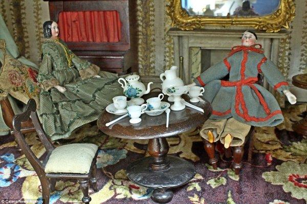 Удивительный кукольный домик 19-го века продаётся с аукциона за 10.000 фунтов стерлингов (8 фото)
