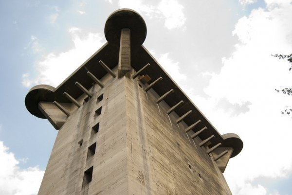 Зенитные башни Люфтваффе (13 фото)