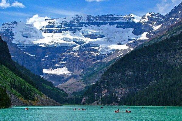 Нетронутая красота ледникового озера Луиза (14 фото)