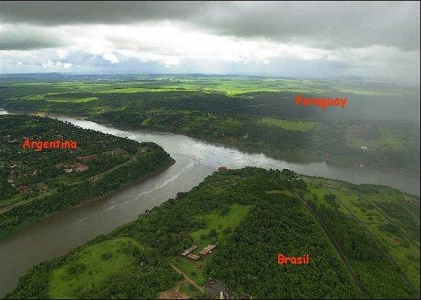 Границы между странами (12 фото)