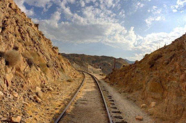 Невозможная железная дорога (20 фото)
