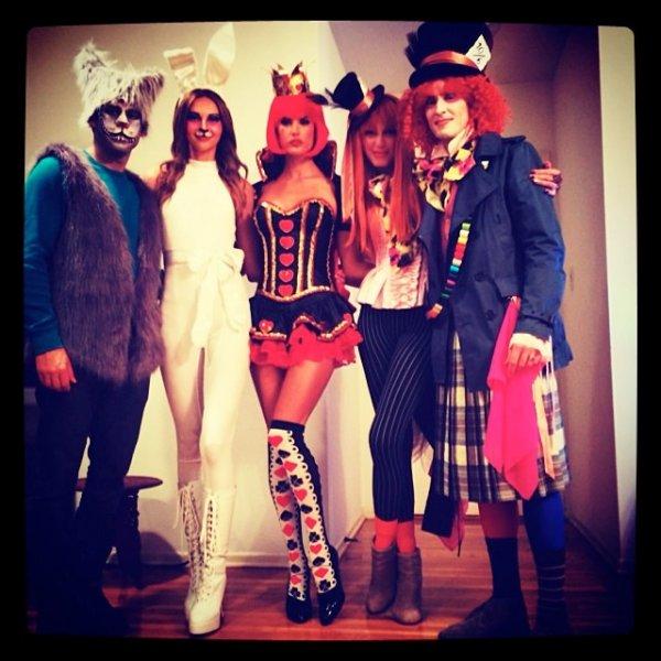Известные модели на Хэллоуин (16 фото)