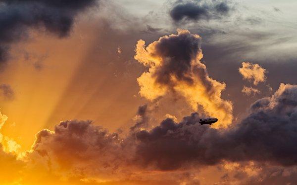 Небесное великолепие в умиротворяющих закатах и неистовствующих молниях (9 фото)