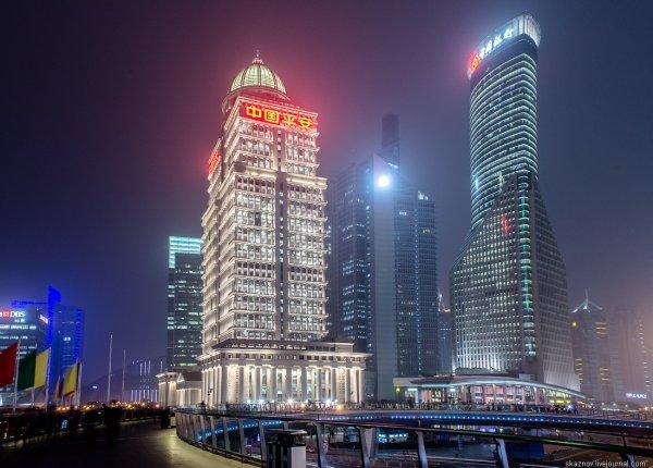 Круговой пешеходный мост в Шанхае (11 фото)
