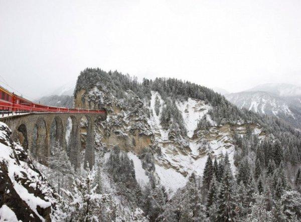Живописный маршрут Ретийской железной дороги (9 фото)