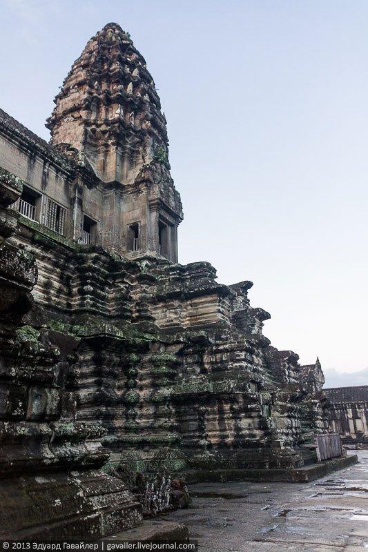 Ангкор-Ват – национальный архитектурный символ Камбоджи (30 фото)