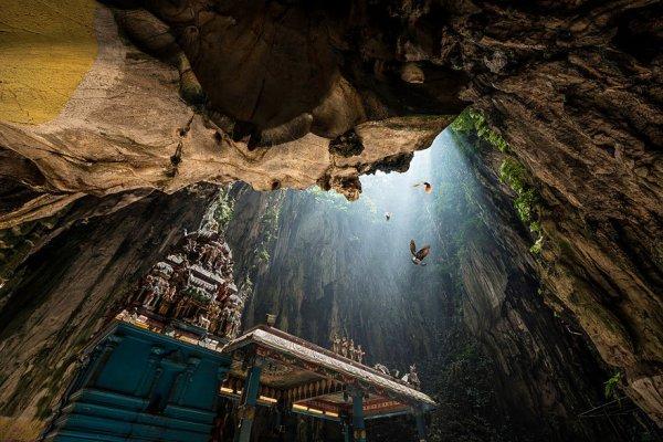 Самые живописные пещеры на планете (33 фото)