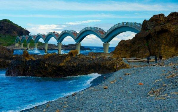 Драконий мост на Тайване (14 фото)