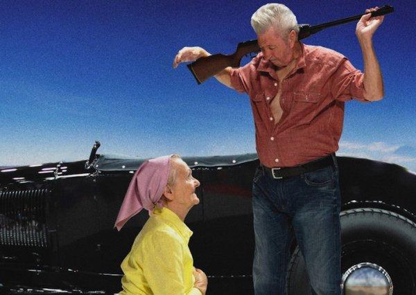 Пенсионеры создали календарь, в котором воссоздали сцены из легендарных фильмов (12 фото)
