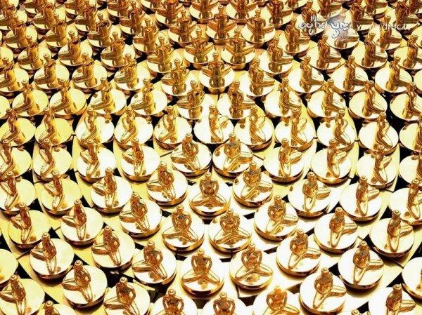 Великолепный буддийский храм Ват Пхра Дхаммакая (20 фото)