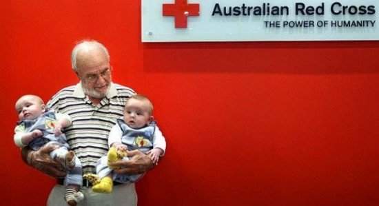 Джеймс Харрисон, чья невероятно редкая кровь спасла жизни миллионов детей