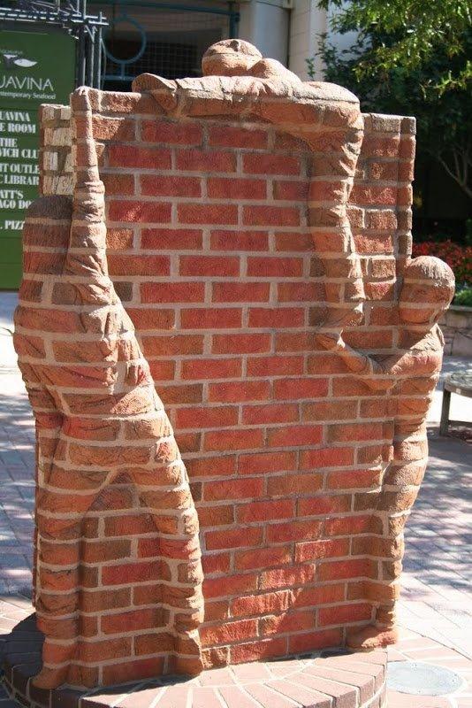 Кирпичные скульптуры от Брэда Спенсера (11 фото)