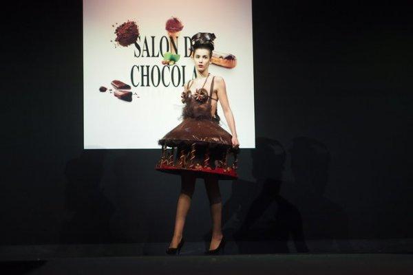 Показ шоколадной моды в Брюсселе (14 фото)
