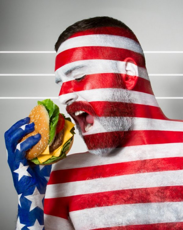 Популярные блюда стран в самобытном фотопроекте Fat Flag (5 фото)