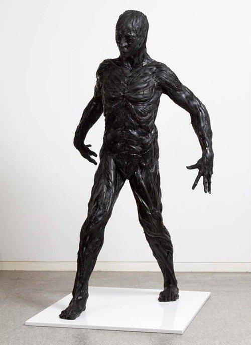 Невероятные скульптуры из автопрокрышек (25 фото)