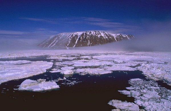 Острова Диомида: Два острова, разделённых американо-российской границей и Международной линией перемены дат (8 фото)