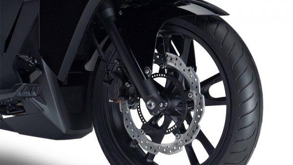 Футуристичный супербайк Honda NM4 Vultus (12 фото)