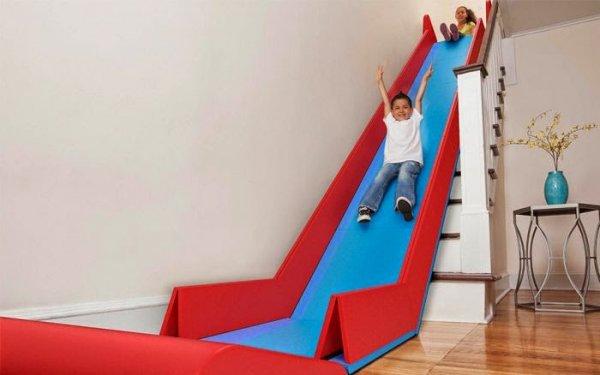 Как лестницу превратить в горку (6 фото)