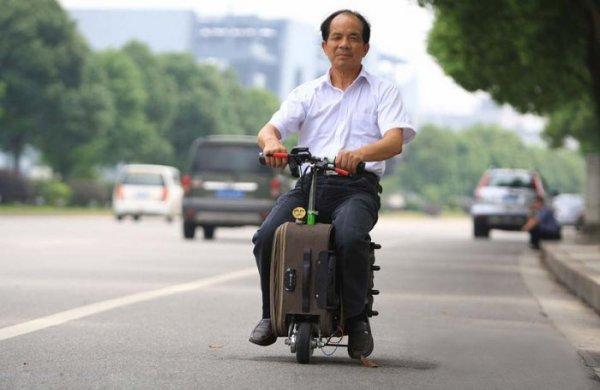 Скутер-чемодан от китайского изобретателя (5 фото)