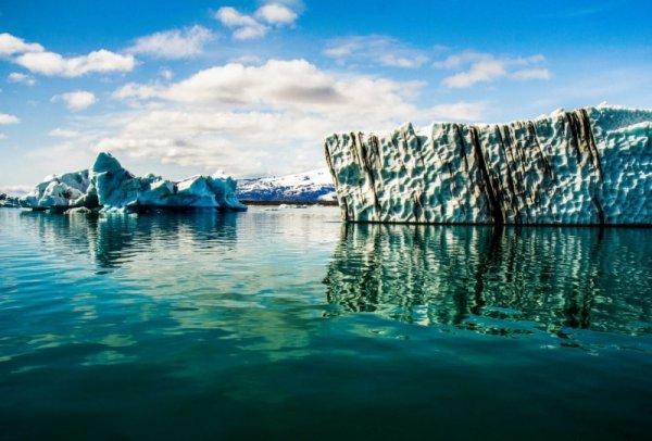 Живописная ледниковая лагуна Ёкюльсаурлоун (8 фото)