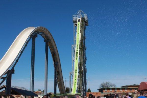 """""""Сумасшедшая"""" водная горка в Канзас-Сити – самая высокая в мире (5 фото + видео)"""