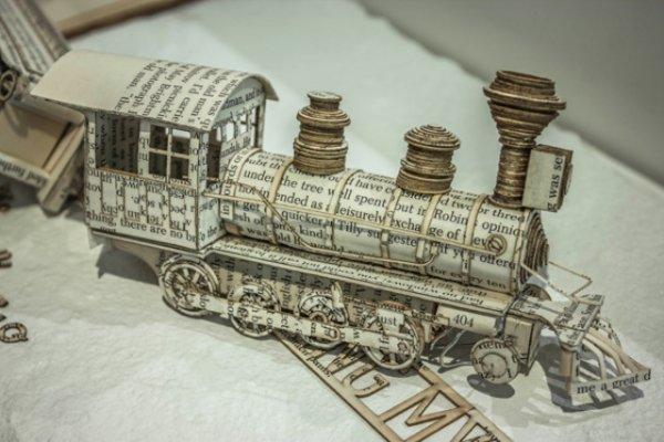 Книжные скульптуры Томаса Уайтмана (15 фото)