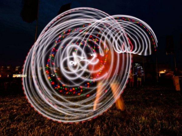 Посетители Гластонберийского фестиваля современного исполнительского искусства 2014 года (30 фото)