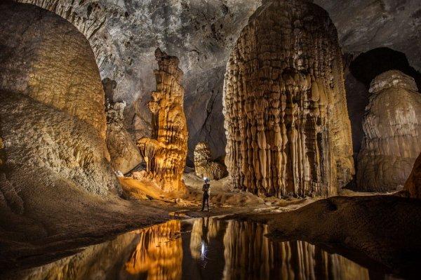 Пещера Шондонг во Вьетнаме – крупнейшая на планете (24 фото)