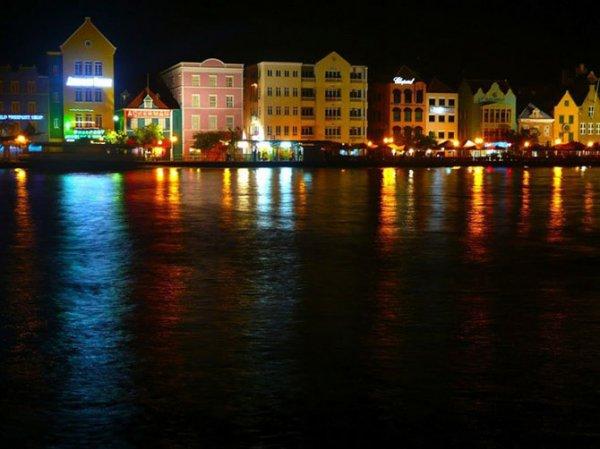 Самые красочные города мира (17 фото)
