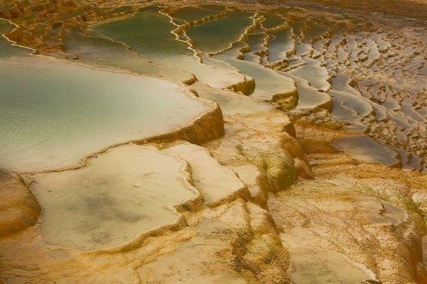 Бадаб-е-Сурт: горячие источники в виде ступенчатых террас (7 фото)