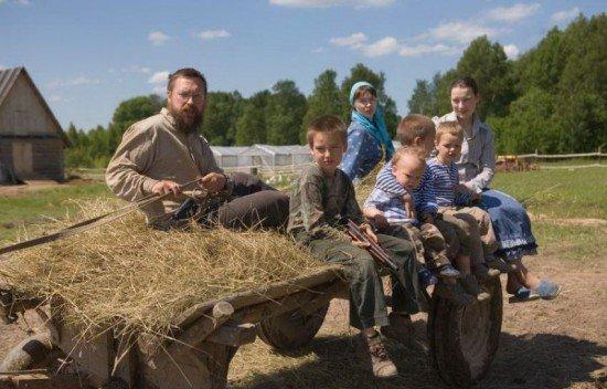 Российский олигарх, отдавший всё, что у него было, чтобы жить жизнью скромного крестьянина (4 фото)