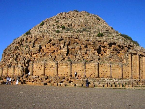 Королевский мавзолей Мавритании (6 фото)