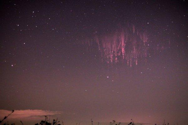 Красные спрайты – вспышки на небосводе (7 фото)