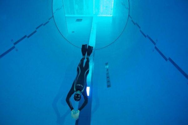 Y40 Deep Joy: самый глубокий бассейн в мире (9 фото)