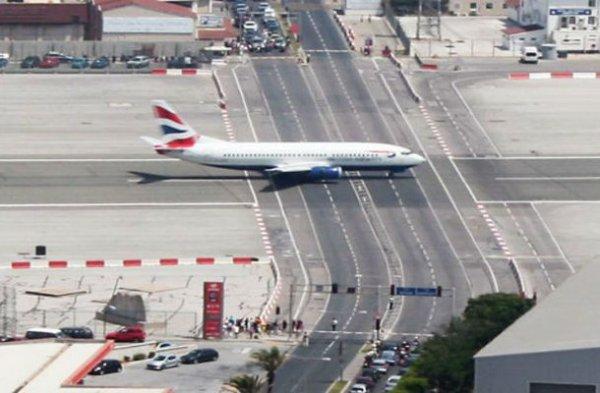 Топ-10 кошмарных аэропортов, которые не стоит посещать