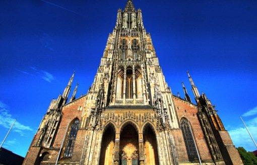 Топ-10: Необычные церковные башенки и шпили