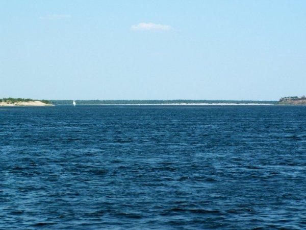 Крупнейшее в мире озеро (5 фото)