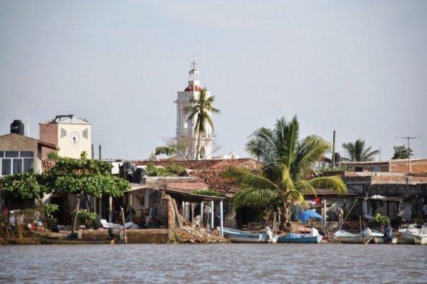 Островной город Мескальтитан: мексиканский аналог Венеции (9 фото)