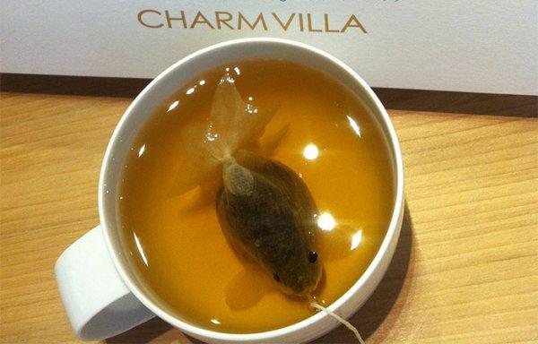 Чайные пакетики в виде золотой рыбки превратят вашу чашку чая в круглый аквариум (8 фото)