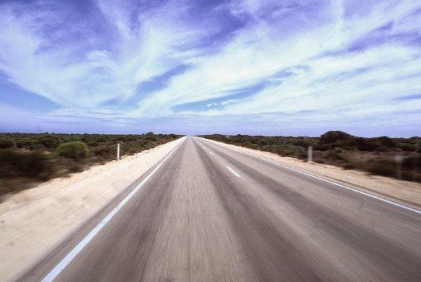Самая длинная в мире прямая дорога (11 фото)