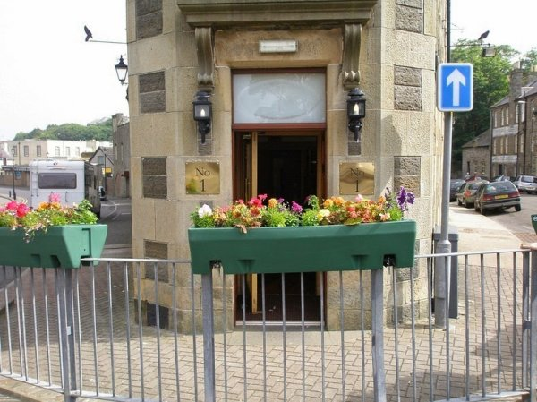 Эбенезер-плейс, самая короткая улица в мире (4 фото)