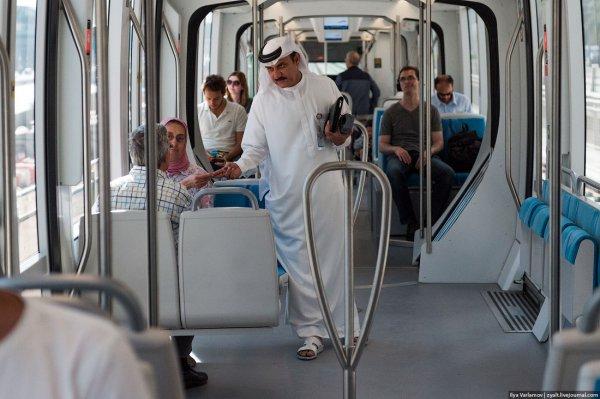 Дубайские трамваи (28 фото)