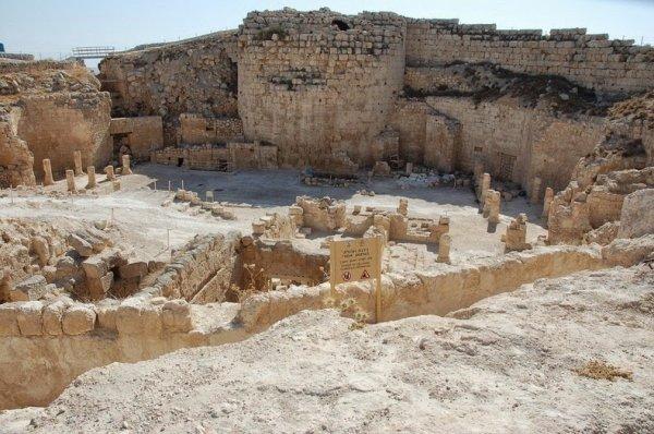 Иродион: Дворец и гробница царя Ирода (10 фото)