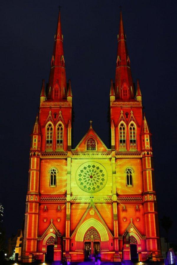Рождественское световое шоу в Сиднее (13 фото)