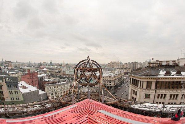 Центральный Детский Магазин на Лубянке украсили одни из крупнейших механических часов в мире (21 фото)