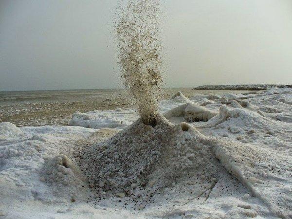 Ледяные вулканы Великих озер (7 фото)