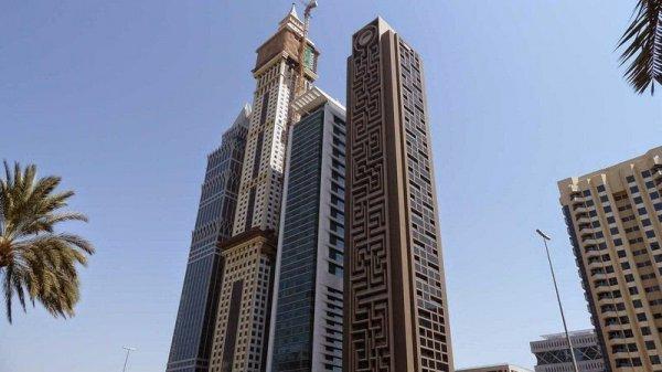 Самый крупный в мире вертикальный лабиринт в Дубае (6 фото)