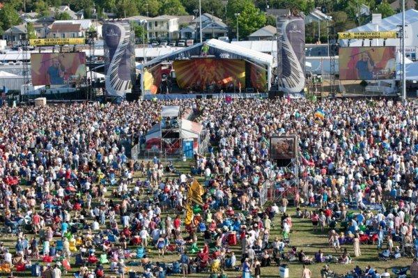 Топ-10: Крупнейшие музыкальные фестивали в мире