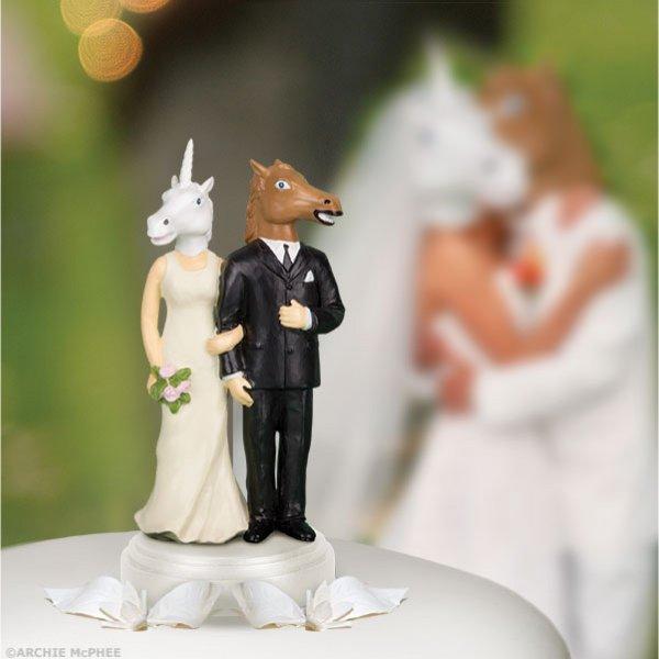 Оригинальные фигурки на свадебные торты (18 фото)