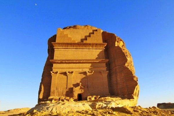 Каср-аль-Фарид: Одинокий Замок Мадаин-Салиха (8 фото)